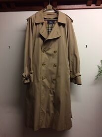 Men's Burberry vintage trench coat with zip out wool lining