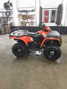 2013 Polaris . VERY CLEAN atv