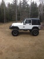 Jeep 1994 home till monday night ! 4300$