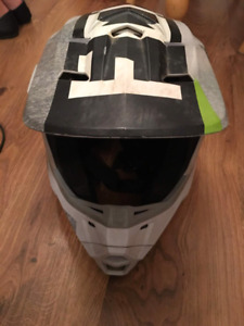 Fox dirt bike helmet