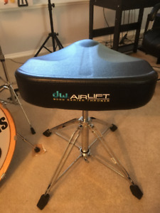 DW 9000 Series Airlift Drum Throne!