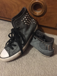 Grey spiked converse