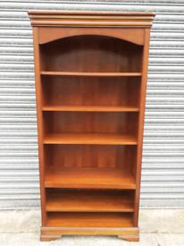 Solid Bookshelves 🤩excellent condition 🤩