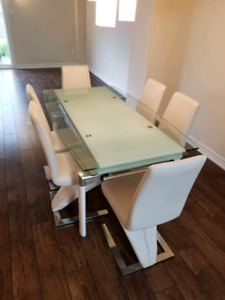Glass dining table w/6 chairs