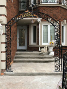 Beautiful 5 BR House For Rent In Richmond Hill