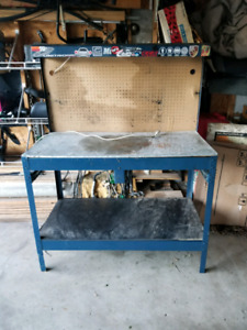 Mastercraft work table with 2 drawers and work light