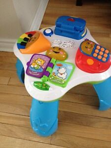 French Fisher price activity table