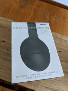 Brand New Bose QC35 Black Sealed