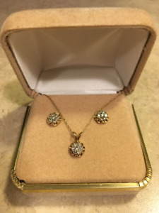 10K GOLD DIAMOND NECKLACE AND EARINGS SET