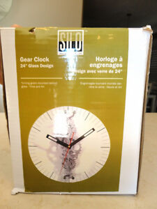 "Oversized 24"" Diameter Moving Gear Clock w/ Glass Face Kitchener / Waterloo Kitchener Area image 5"