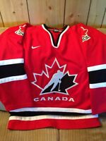 Men's small Canada jersey