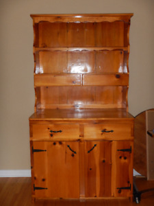 Country Style Kitchen Hutch for Sale $200