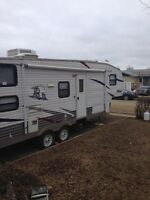 2008 fifth wheel camper for sale