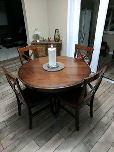 Solid wood quality dining set