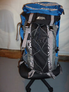 MEC Hiking Camping Backpack - w/ travel cover - Blue Bag