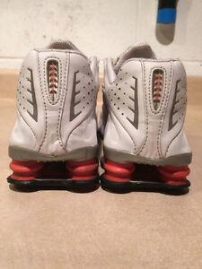 Women's Nike Shox Running Shoes Size 8.5 London Ontario image 3