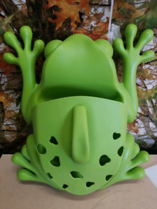 frog to store kids tub toys