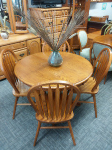 Round Oak Dining Table With Four Chairs