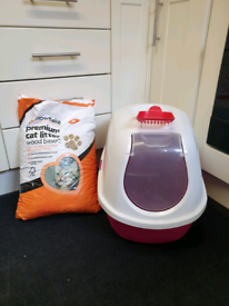 Hooded Cat Litter Tray and Litter