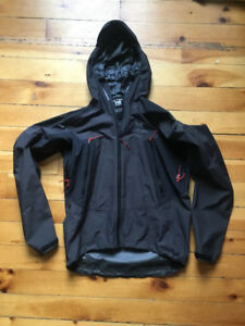 9ca51172a20 Men s Arc teryx Jacket Alpha SL Hybrid Jacket (Size  ...
