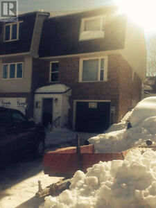 Updated Freehold Townhome In Elliot Lake! Call To View!
