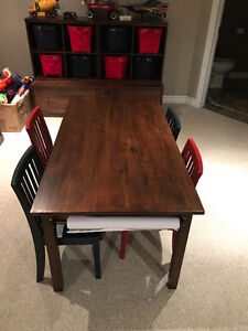 Pottery Barn Kids Carolina Craft Table & 4 Chairs