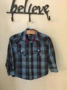 Sz 5, Boys shirt, perfect for Fall!