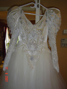 Free wedding dress Bella di Sera size 8 Cleaned at Miss Browns!