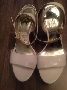 GUESS By Marciano size 6.5 Kitchener / Waterloo Kitchener Area image 2