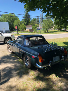 1974 MGB w. Chrome bumpers & Low Kms **REDUCED**