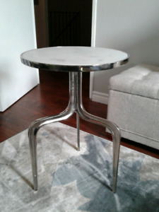 Accent side table white/marble/silver