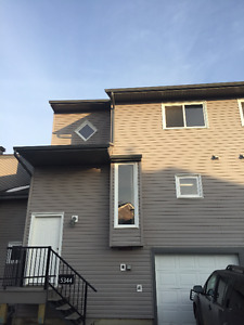 Townhouse in Millwoods w3 bedrooms, w2 bathrooms and garage
