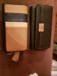Wallet for sale, no use for them