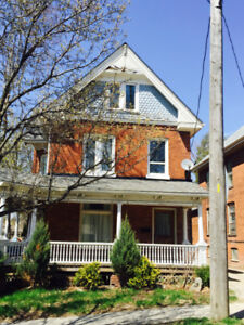 Big student house, super-close to Laurier Brantford!