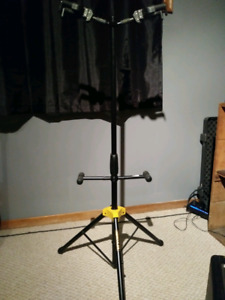 Hercules double guitar stand..