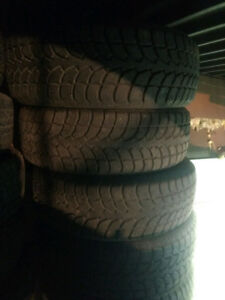 4x 245/60R18 like new Rovelo winter tires pneus d'hiver