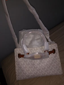 Brand new Michael Kors Large tote and wallet!