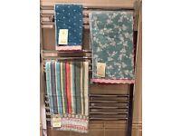 6 Bathroom Towel Set - NEW - Carolyn Donnelly