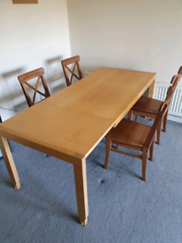 Dining table 4-6seater extendable