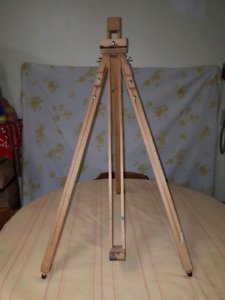 Tabletop artists easel