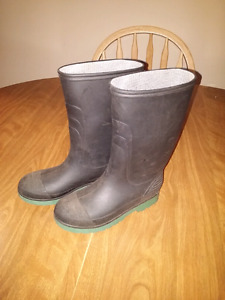 Rubber boots youth size 3