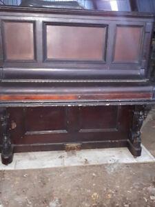 Vieux piano à donner