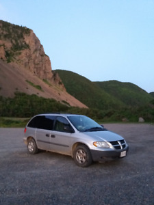 Reliable roadtrip car for your next adventure(Dodge Caravan '02)