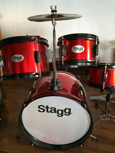 STAGG RED JUNIOUR DRUMS LIKE NEW
