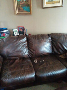 Brown faux leather sectional and ottoman Strathcona County Edmonton Area image 4