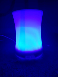 Color changing oil diffuser