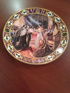 Royal Doulton - Kings and Queens of the Realm - Queen Victoria
