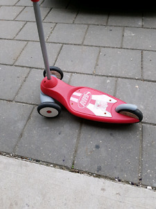 Red radio flyer scooter, good condition