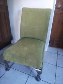 Chair x1