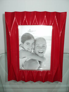 CLAIR DE LUNE RED MODERN PHOTO/PICTURE FRAME - NEW WITH TAGS Cornwall Ontario image 2